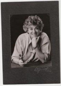 Anna  Paparella